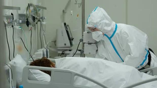 Hết nấm đen, trắng, vàng, giờ người Ấn Độ đang lo bệnh nhân Covid mắc cả... nấm xanh - Ảnh 1.