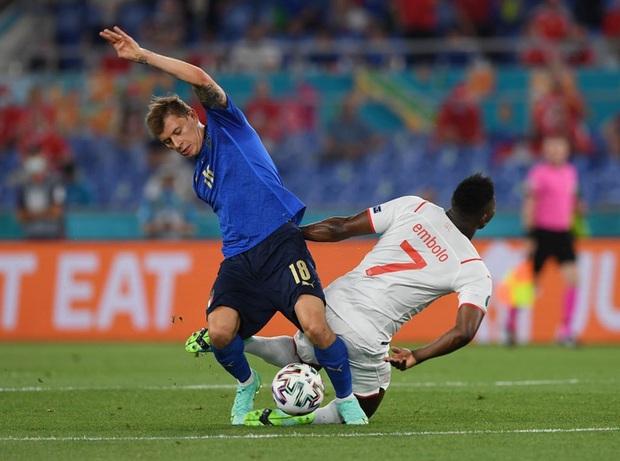 Xác định đội đầu tiên vượt qua vòng bảng Euro 2020: Đá hay không ai chịu nổi - Ảnh 2.