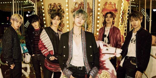 Nhóm nam nhà SM tổ chức fansign trực tiếp cho album ra mắt từ năm ngoái, fan kêu công ty hãy mau quay đầu vì dịch bệnh! - Ảnh 2.