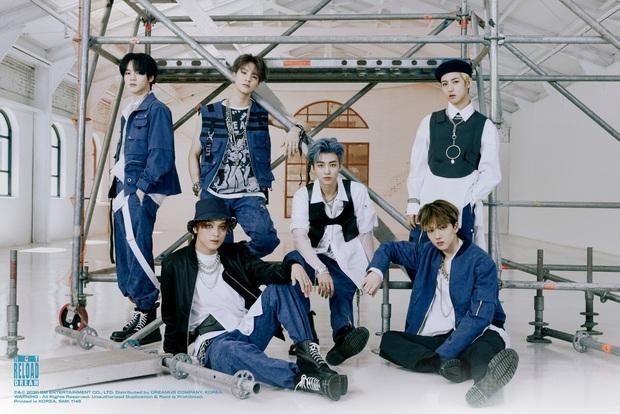 Nhóm nam nhà SM tổ chức fansign trực tiếp cho album ra mắt từ năm ngoái, fan kêu công ty hãy mau quay đầu vì dịch bệnh! - Ảnh 4.