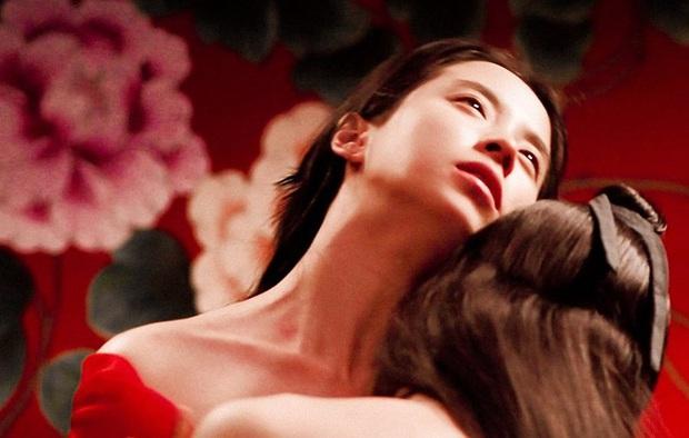 3 nữ hoàng cảnh nóng xứ Hàn: Người bị bạn trai bỏ vì khỏa thân 100%, người lên đời cả tình yêu lẫn sự nghiệp - Ảnh 12.
