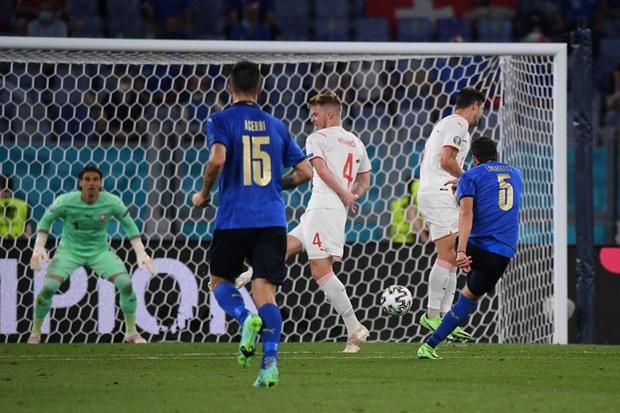 Xác định đội đầu tiên vượt qua vòng bảng Euro 2020: Đá hay không ai chịu nổi - Ảnh 6.