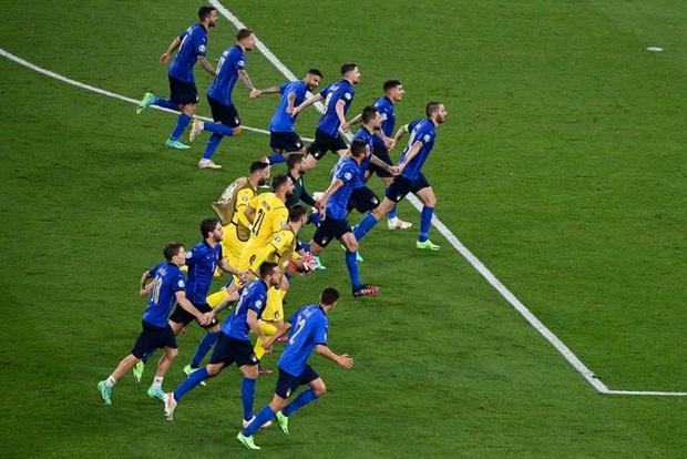 Xác định đội đầu tiên vượt qua vòng bảng Euro 2020: Đá hay không ai chịu nổi - Ảnh 8.