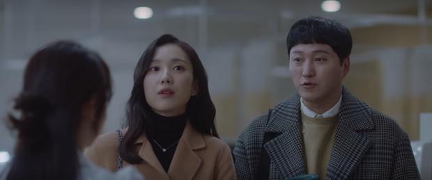 Hospital Playlist 2 tập 1 ngọt sâu răng, nhưng lời hồi âm của Song Hwa cho màn tỏ tình của Ik Jun lại đau xé lòng - Ảnh 1.