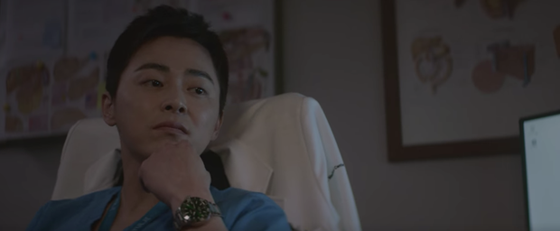 Hospital Playlist 2 tập 1 ngọt sâu răng, nhưng lời hồi âm của Song Hwa cho màn tỏ tình của Ik Jun lại đau xé lòng - Ảnh 17.
