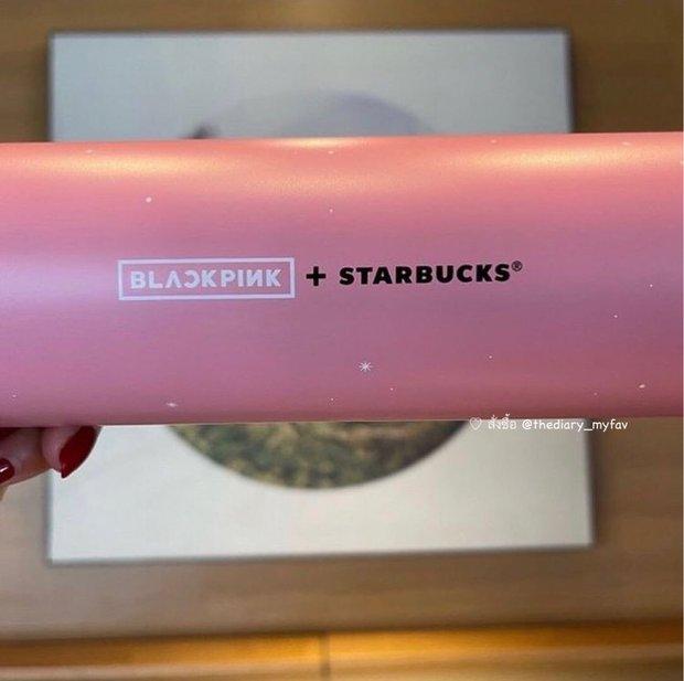 """Xôn xao bình nước Starbucks phiên bản BLACKPINK với màu hồng siêu xinh, netizen chưa gì đã lo bị """"thổi giá"""" lên 20 triệu rồi! - Ảnh 2."""