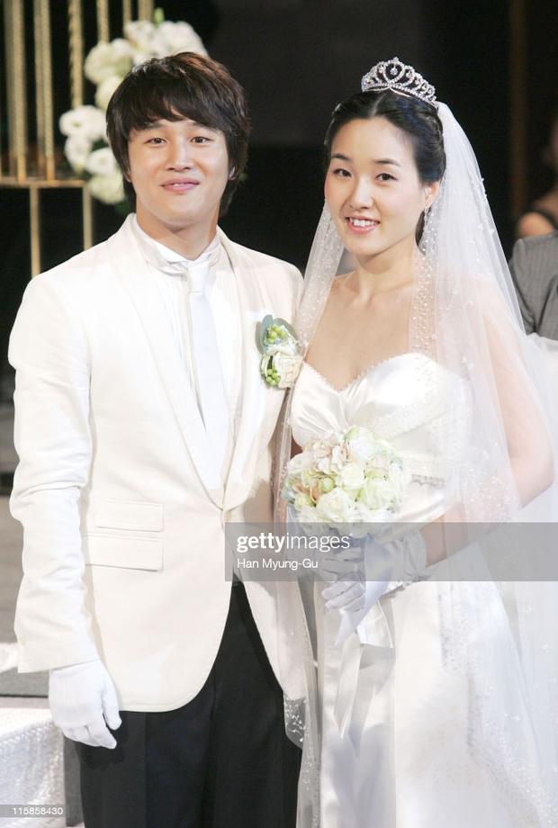 """Cặp đôi Cô Nàng Ngổ Ngáo sau 20 năm: Người thành """"mợ chảnh"""" đắt giá nhất màn ảnh Hàn, kẻ lao đao vì bê bối chấn động - Ảnh 14."""