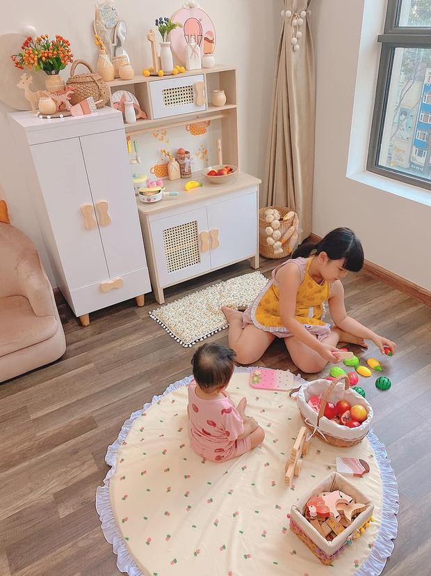 Mẹ đảm thiết kế phòng cho con xinh yêu như cổ tích, chi phí chưa đến 25 triệu mà đồ chơi toàn hàng sang xịn mịn - Ảnh 10.