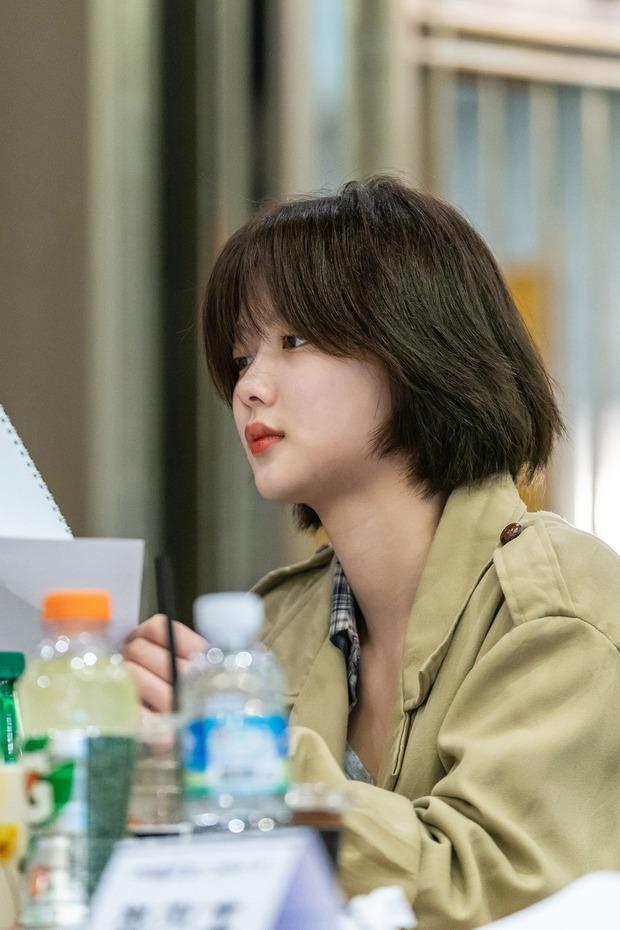 Kim Yoo Jung tái xuất tằng tằng với 2 phim mới, cổ trang hay hiện đại nhan sắc đều đỉnh cao - Ảnh 5.