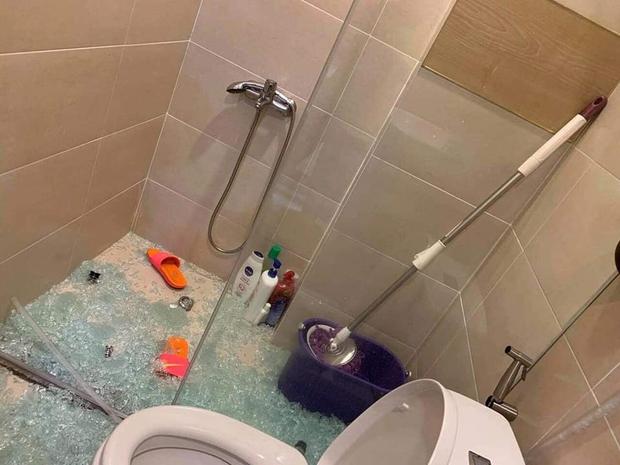 Kinh hoàng tai nạn vỡ kính cường lực nhà tắm: 90% gia chủ vội tháo bỏ mà không biết có giải pháp này - Ảnh 2.