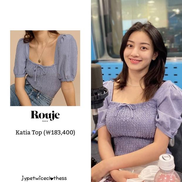 Jihyo (TWICE) diện chung áo với mẫu hãng nhưng chiếm sóng nhờ 1 chi tiết mlem hơn hẳn - Ảnh 1.