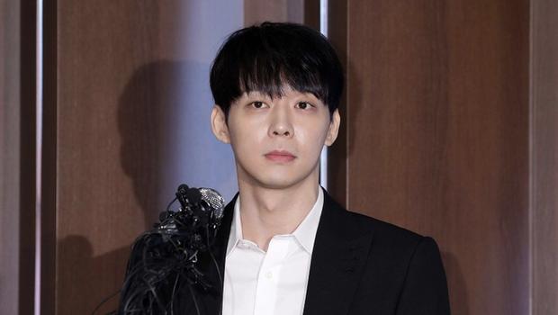 """Yoochun (DBSK): Hoàng tử vươn lên từ tuổi thơ cơ cực, hiện nguyên hình vì phốt """"kinh thiên động địa"""" từ tình dục đến ma túy - Ảnh 13."""
