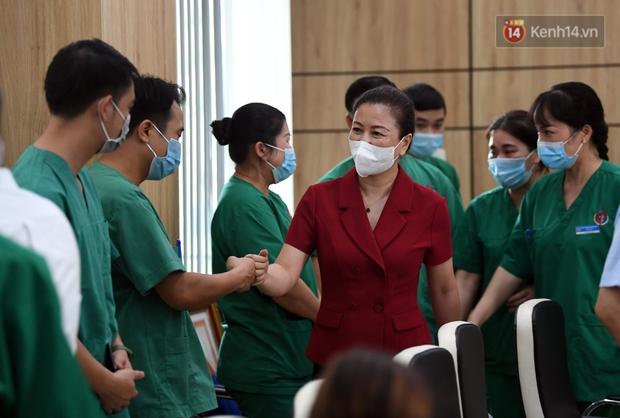 Đoàn y bác sĩ Quảng Ninh hoàn thành nhiệm vụ chi viện cho tâm dịch Bắc Giang, nhận bằng khen của Thủ tướng Chính phủ - Ảnh 3.