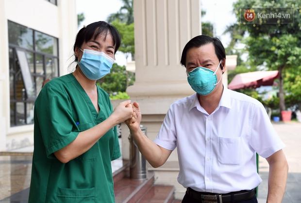 Đoàn y bác sĩ Quảng Ninh hoàn thành nhiệm vụ chi viện cho tâm dịch Bắc Giang, nhận bằng khen của Thủ tướng Chính phủ - Ảnh 10.