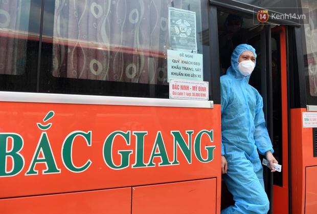 Đoàn y bác sĩ Quảng Ninh hoàn thành nhiệm vụ chi viện cho tâm dịch Bắc Giang, nhận bằng khen của Thủ tướng Chính phủ - Ảnh 11.