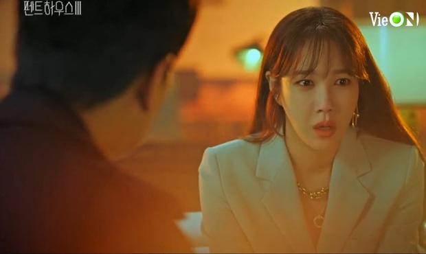 Ju Dan Tae lộ quá khứ giết người hàng loạt, bị kẻ thù tới tận nhà đòi mạng ở Penthouse 3 tập 3 - Ảnh 2.