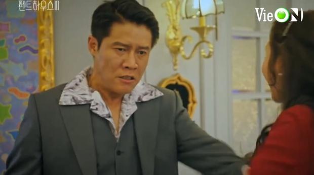 Ju Dan Tae lộ quá khứ giết người hàng loạt, bị kẻ thù tới tận nhà đòi mạng ở Penthouse 3 tập 3 - Ảnh 4.