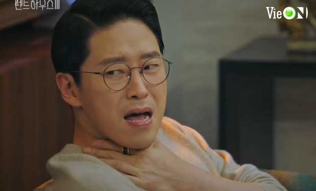 Ju Dan Tae lộ quá khứ giết người hàng loạt, bị kẻ thù tới tận nhà đòi mạng ở Penthouse 3 tập 3 - Ảnh 7.