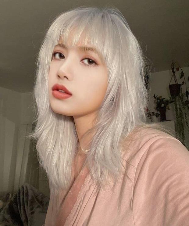 Fan bắt gặp Lisa (BLACKPINK) tại tiệm làm tóc, tiện hé lộ luôn tạo hình solo sắp tới cực đỉnh? - Ảnh 7.