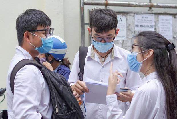 Một thí sinh Hà Nội có thể đỗ 8 nguyện vọng vào lớp 10 nhưng vẫn có thể bị trượt vì lý do này  - Ảnh 1.