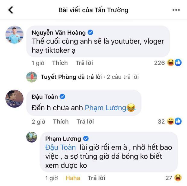 Ông chú Tấn Trường livestream thôi mà được cả dàn trai đẹp tuyển quốc gia vào bình luận tăng tương tác chóng mặt - Ảnh 9.