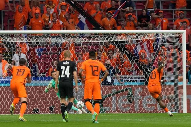 Thắng áp đảo tuyển Áo, Hà Lan chính thức bước tiếp vào vòng knock-out Euro - Ảnh 3.