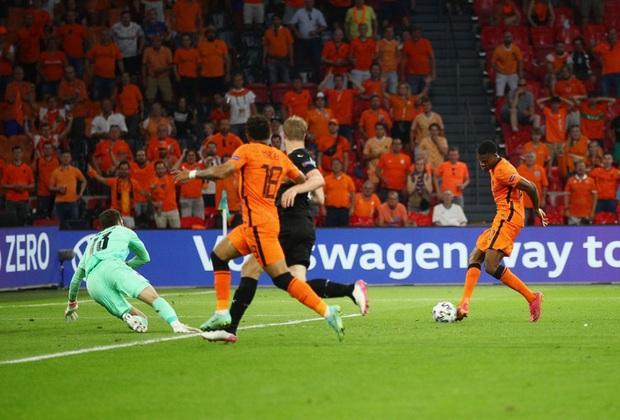 Thắng áp đảo tuyển Áo, Hà Lan chính thức bước tiếp vào vòng knock-out Euro - Ảnh 6.