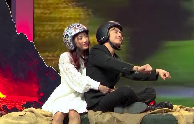 Cô gái Quảng Bình mượn ngày tận thế, quyết rước hot boy Trung Kê lên đĩa bay về nhà - Ảnh 6.
