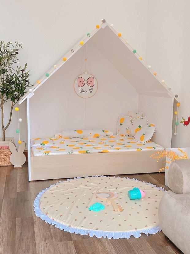 Mẹ đảm thiết kế phòng cho con xinh yêu như cổ tích, chi phí chưa đến 25 triệu mà đồ chơi toàn hàng sang xịn mịn - Ảnh 5.