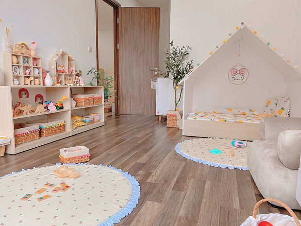 Mẹ đảm thiết kế phòng cho con xinh yêu như cổ tích, chi phí chưa đến 25 triệu mà đồ chơi toàn hàng sang xịn mịn - Ảnh 1.