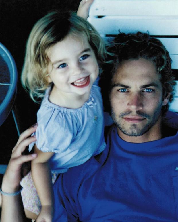 Con gái Paul Walker (Fast & Furious) sau 8 năm: Mẫu cực phẩm 23 tuổi thừa hưởng gia tài 575 tỷ sau cuộc chiến với chính bà ruột - Ảnh 2.