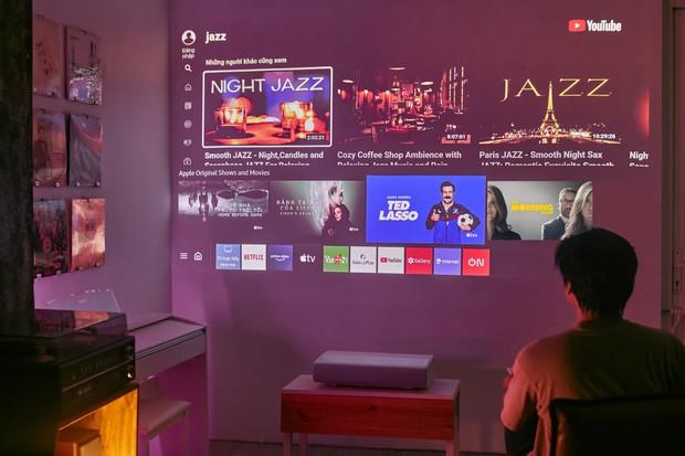 Mua máy chiếu dùng thay tivi đang là trend: Xem phim đã cái nư, rẻ thì vài triệu mà đắt tận vài trăm triệu cũng có! - Ảnh 5.