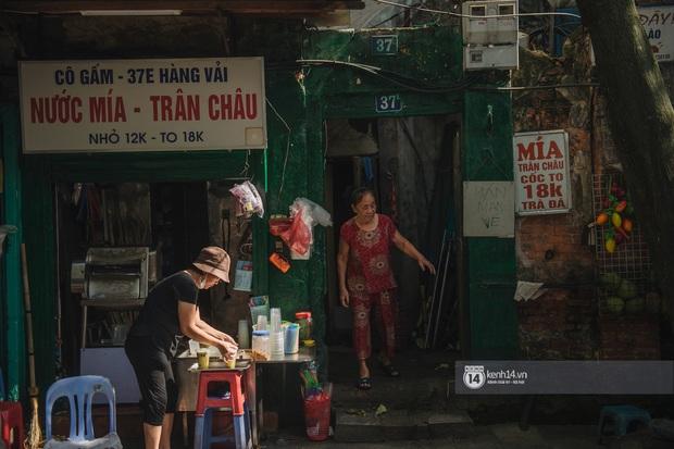 Hà Nội ngày nóng nực: Có món đồ uống cứ đến hè là bán đầy đường, gắn liền với một con phố nổi tiếng - Ảnh 4.