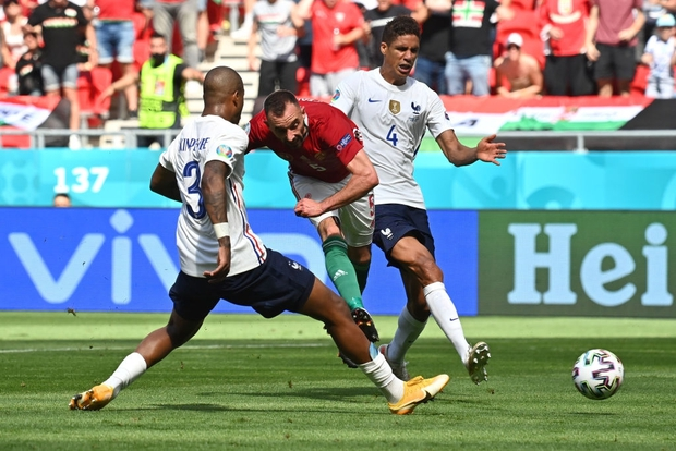 Chấn động Euro: Nhà vô địch thế giới Pháp hòa thất vọng trước Hungary trong ngày thi đấu dưới sức ép của hơn 5 vạn khán giả - Ảnh 12.