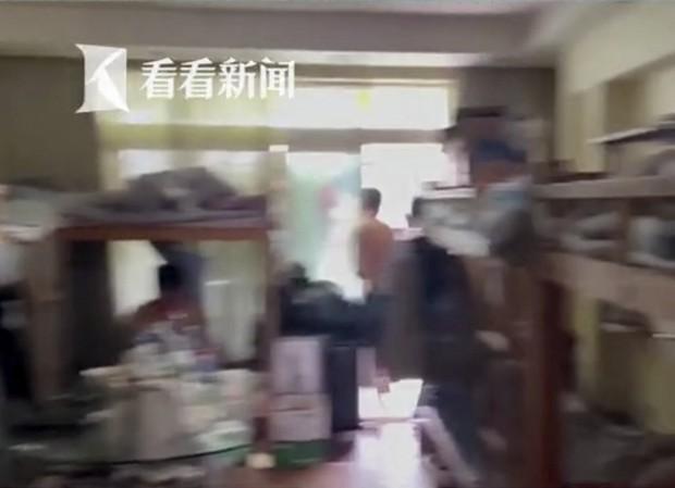 Từ vụ 39 người chen chúc trong 1 căn hộ chung cư: Hé lộ thực tế đáng sợ tại thành phố đắt đỏ bậc nhất Trung Quốc - Ảnh 2.