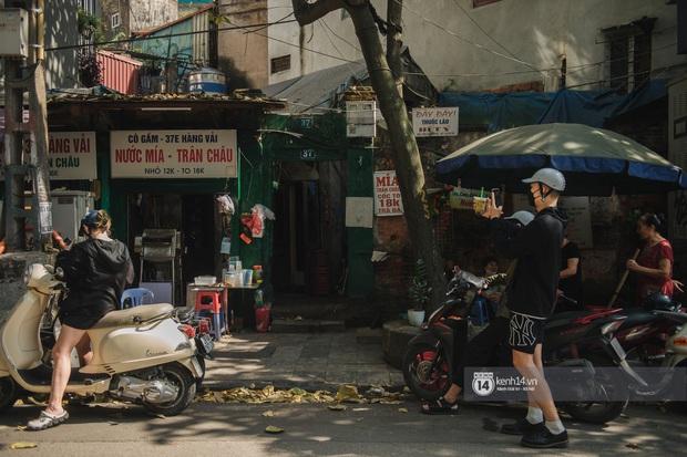 Hà Nội ngày nóng nực: Có món đồ uống cứ đến hè là bán đầy đường, gắn liền với một con phố nổi tiếng - Ảnh 6.