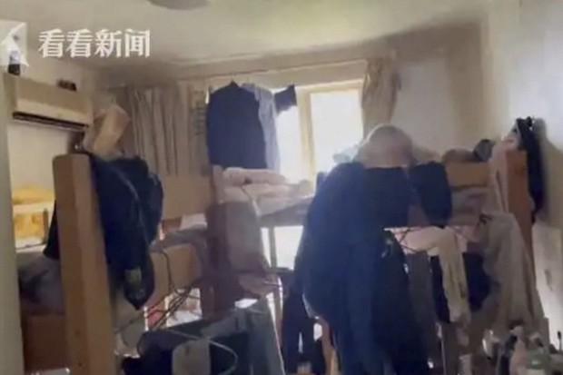 Từ vụ 39 người chen chúc trong 1 căn hộ chung cư: Hé lộ thực tế đáng sợ tại thành phố đắt đỏ bậc nhất Trung Quốc - Ảnh 1.
