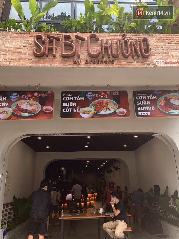 Review cực gắt cơm tấm của hội streamer hot nhất Việt Nam: Có gì ngon mà giá gần cả trăm ngàn, muốn mua được cũng phải ăn ở tốt? - Ảnh 4.