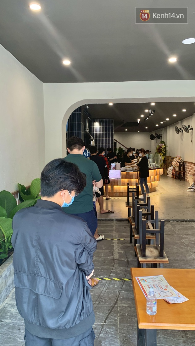 Review cực gắt cơm tấm của hội streamer hot nhất Việt Nam: Có gì ngon mà giá gần cả trăm ngàn, muốn mua được cũng phải ăn ở tốt? - Ảnh 6.