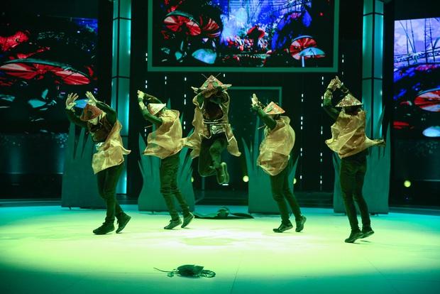 Nhóm nhảy đạt điểm tối đa khi mang tác phẩm văn học từng là nỗi ám ảnh lớp 12 lên sân khấu - Ảnh 3.