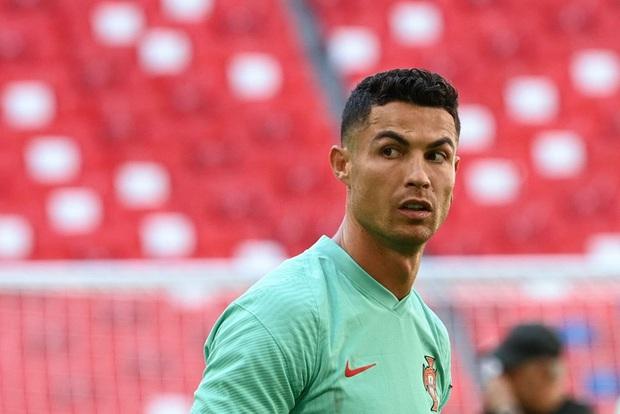 Cổ phiếu Coca Cola vẫn giảm không phanh, hãng đã bốc hơi 232 nghìn tỷ đồng kể từ sau sự cố Ronaldo - Ảnh 2.