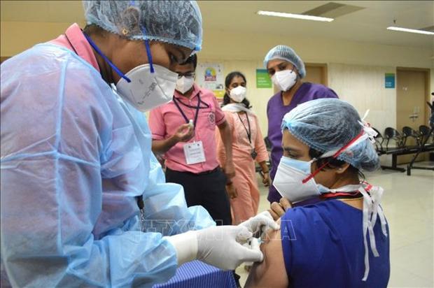 WHO cảnh báo tình trạng thiếu vaccine trầm trọng tại nhiều nước - Ảnh 1.