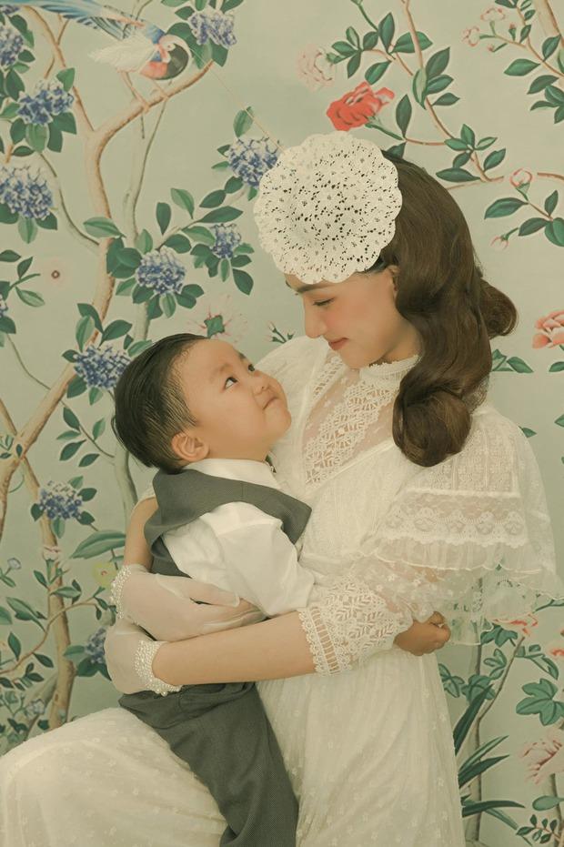 Bé Bo hát leo lẻo với mẹ Hòa Minzy, vừa thấy chú Văn Toàn lại phát biểu một từ gây bất ngờ - Ảnh 7.