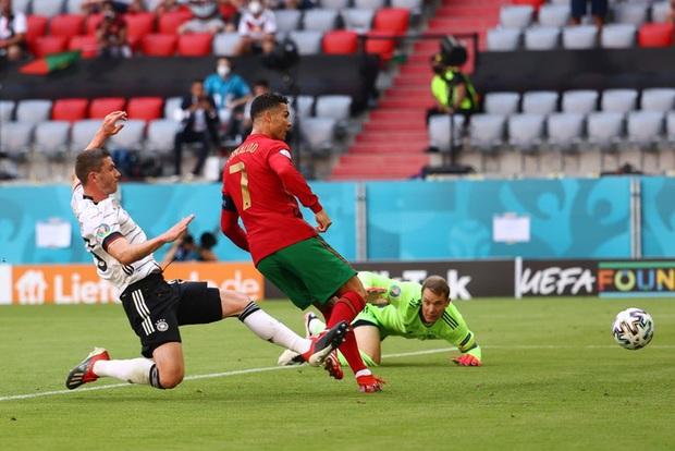 Bồ Đào Nha phản công thần tốc trong 10 giây, Ronaldo bứt tốc hơn 90 mét để có bàn thắng đầu tiên vào lưới tuyển Đức - Ảnh 1.