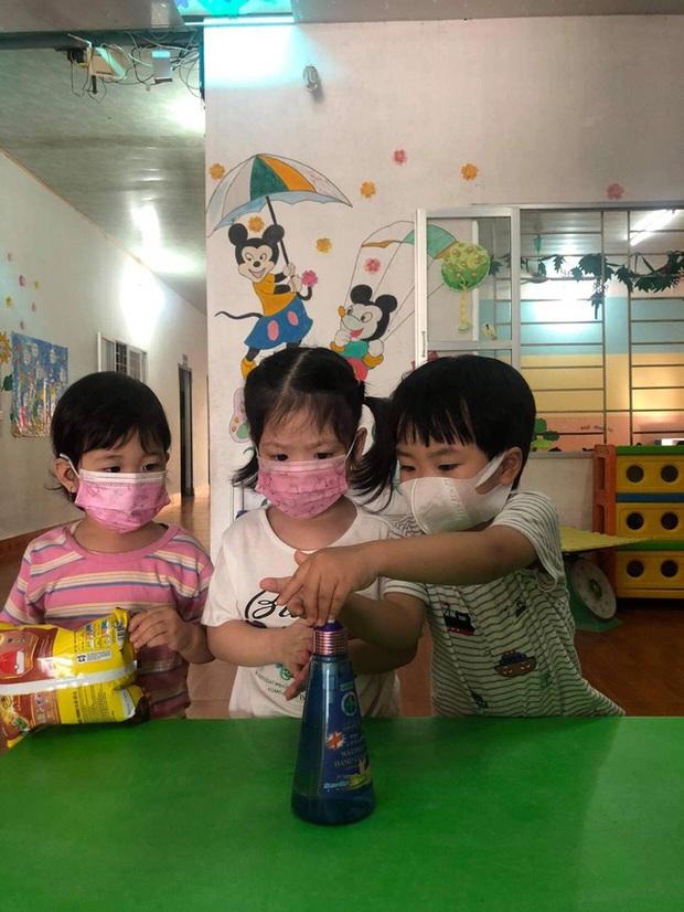 Quảng Ninh: Các cơ sở giáo dục hoạt động trở lại trong trạng thái bình thường mới - Ảnh 2.
