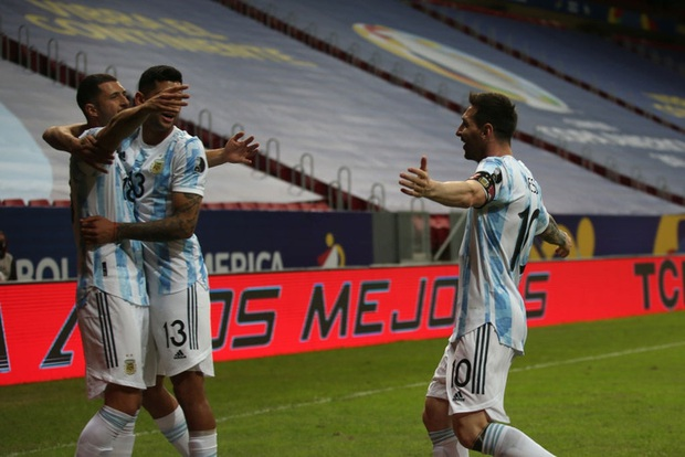 Messi kiến tạo giúp Argentina có thắng lợi đầu tiên tại Copa America 2021 - Ảnh 4.