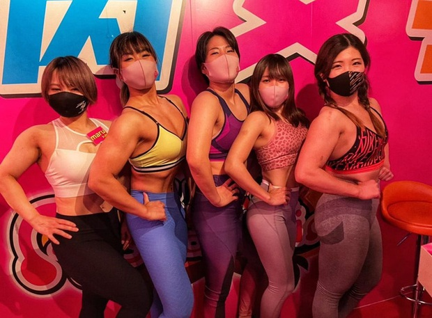 Quán bar độc đáo dành cho các fan thể hình tại Nhật Bản với dàn nữ phục vụ cơ bắp - Ảnh 4.