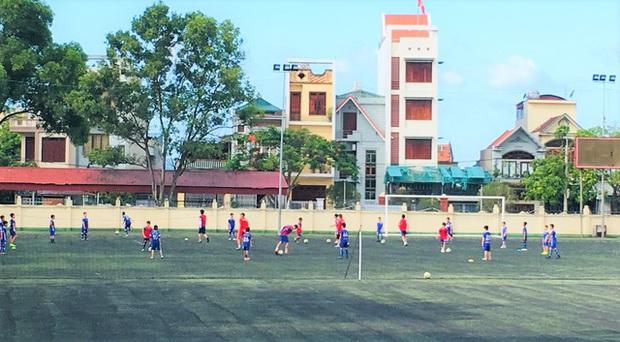 Quảng Ninh: Các cơ sở giáo dục hoạt động trở lại trong trạng thái bình thường mới - Ảnh 5.