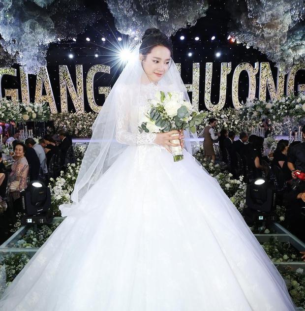 Không cần cầu kì, chính lối makeup tự nhiên mới giúp mỹ nhân Việt xinh xuất sắc trong ngày cưới - Ảnh 3.