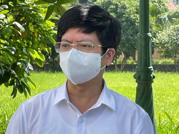 Bệnh nhân trẻ mắc Covid-19 từ khi có triệu chứng sau vài ngày đã mờ trắng hai bên phổi - Ảnh 1.